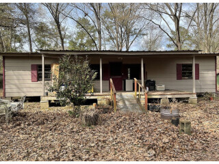 Nice fixer upper 3 bed 2 bath home *assignment of contract*